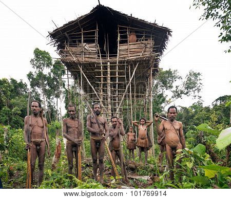 Korowai People And House