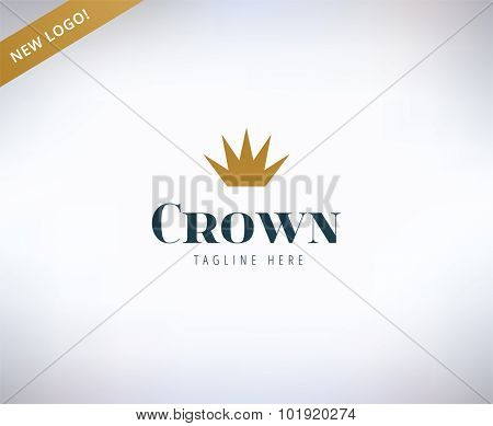 Crown shape vector logo icon. King, leader, boss and business symbol. Stock design elements.