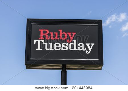 Indianapolis - Circa August 2017: Ruby Tuesday Casual Restaurant Location. Ruby Tuesday is famous for its Salad Bar IV