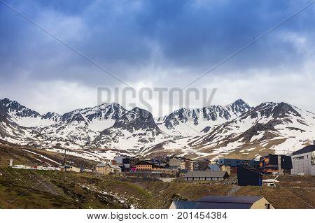 El Pas de la Casa panorama. El Pas de la Casa Andorra.