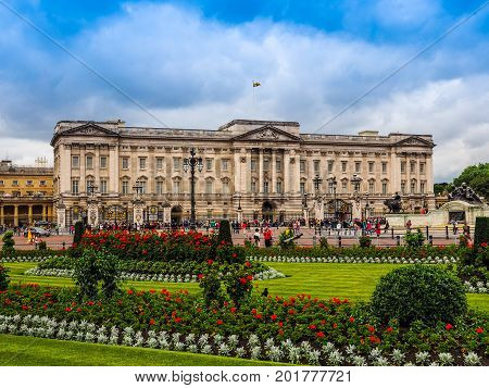 Buckingham Palace In London (hdr)