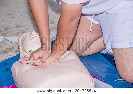 man chest compression dummy model cpr drowning training course