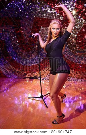 LAS VEGAS - OCT 28 : A waxwork of Beyoncé Knowles  at The Madame Tussauds museum in Las Vegas on October 28 2014 , The two-floor 30,000-square-foot museum has 100-plus wax replicas.