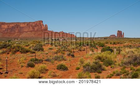 Sentinel Mesa (left) and West Mitten Butte (right) seen from the Utah Arizona State line on Monument Valley Road