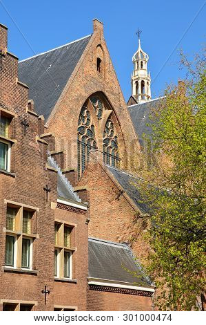 The External Facade Of Grote Of Sint Jacobskerk With The Turret Of Oude Stadhuis (old Town Hall, 16