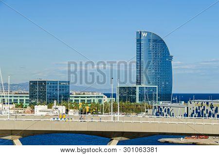 Barcelona, Spain - November 10, 2018: Port Vell With Its Bascule Bridge Porta Deuropa, Nautic Center