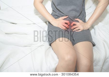 Asian women With itching female genitalia Sexually transmitted diseases,Stinky from underwear is not