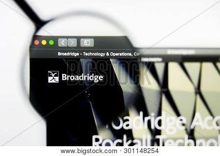 Richmond, Virginia, Usa - 9 May 2019: Illustrative Editorial Of Broadridge Financial Solutions Inc W