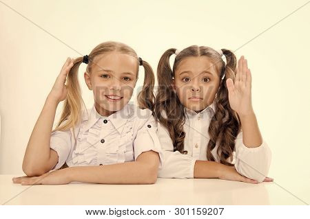 Question And Answer. Little School Girls Know Answer To Question. I Know. Little School Girls With R