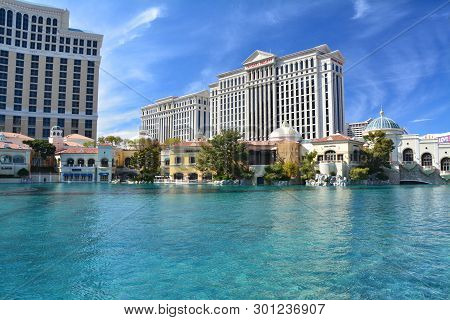 Las Vegas, Usa - March 18, 2018 : Fountains Of Bellagio - Bellagio Hotel & Casino And Caesars Palace