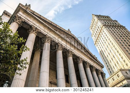 New York City, Usa - July 7, 2018; New York City Supreme Court, Civil Branch Of The Supreme Court Of