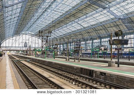 Bordeaux, France - June 13, 2017: Platforms Of Main Railway Station (gare Sncf) Of Bordeaux City, Bo