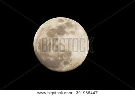 The Full Phase Of The Moon In The Night Sky, Full Moon Close-up Photos,