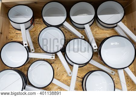 Enamelled Metal Dishes Ladle For Heating Water.