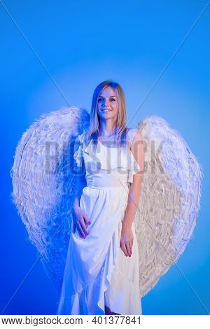 Angel Woman. Cupid Girl In Valentine Day. Valentines Angel Girl. Valentines Day Cupid. Cute Cupid Gi