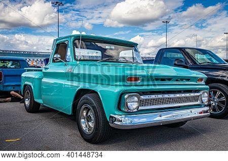 Daytona Beach, Fl - November 28, 2020: 1965 Chevrolet C10 Pickup Truck At A Local Car Show.