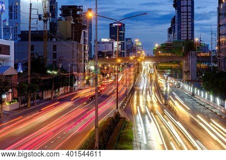 Bangkok, Thailand - September 24, 2020: Long Exposure Landscape Of City And Traffic Lights Trail In
