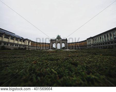 Neoclassicist Triple Triumphal Arch Arcade Du Cinquantenaire Triomfboog Van Het Jubelpark Parc Bruss