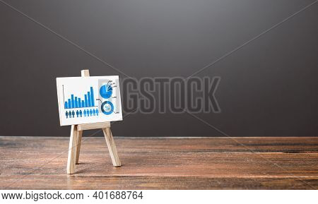 Easel With Growth Infographics Chart Diagram. Concept Of Success, Growth And Performance Improvement