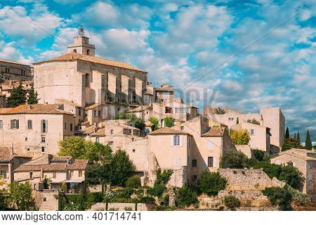 Gordes, Provence, France. Beautiful Scenic View Of Medieval Hilltop Village Of Gordes. Sunny Summer
