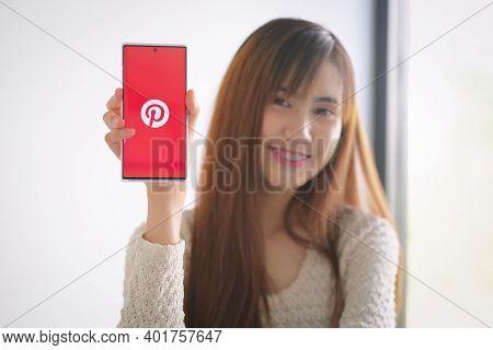 Chiangmai, Thailand - Dec 13, 2020: Samsung Note 10 Plus Showing Pinterest Application On Mobile. It