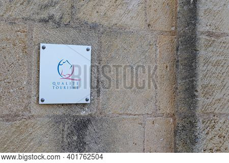 Bordeaux , Aquitaine  France - 12 28 2020 : Qualité Tourisme Logo And Text Sign Of State Guaranteed