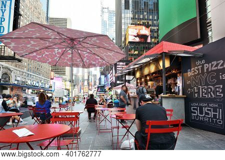 New York City - August 26: Street Food Restaurant In Manhattan On August 26, 2017 In New York City,