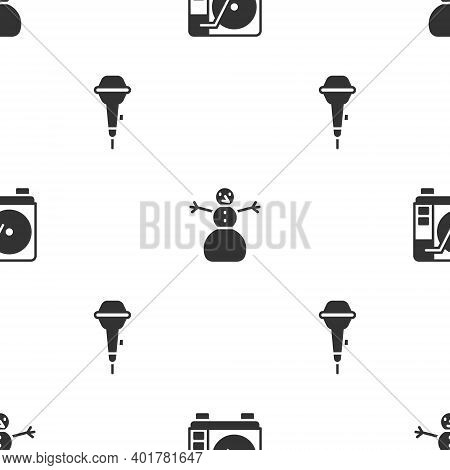 Set Vinyl Player With Vinyl Disk, Christmas Snowman And Microphone On Seamless Pattern. Vector