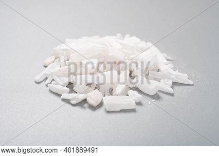 Side View Medicine Shengshigao Or Gypsum Or Gypsum Fibrosum