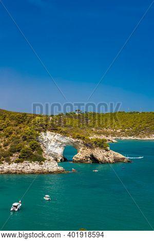 Arco di San Felice near Vieste, National park Gargano, Apulia, Italy