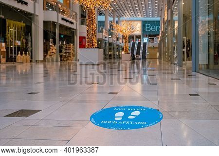 Utrecht, The Netherlands January 2021 - Empty Shopping Mall During The Lockdown In The Netherlands H