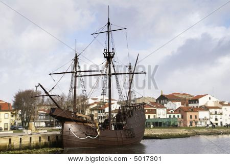 Amazing century ship from the primordial days of the Portuguese nationality poster