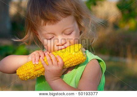 Child To Eat Boiled Corncob