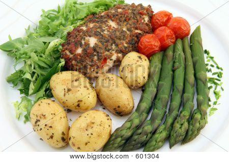 Gesunde Ernährung in Restaurant Menü mit textfreiraum