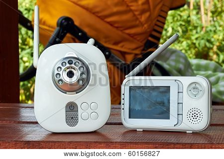 The Close-up Baby Monitor