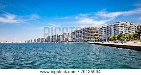 THESSALONIKI, GREECE - OCTOBER 17, 2013: The Nikis Street is famous for luxury hotels, cozy cafes and expensive shops and the great view on the Aegan sea, on October 17 in Thessaloniki. Greece.