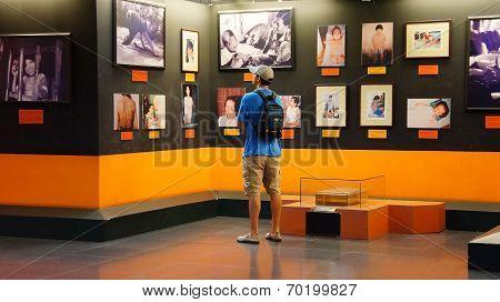 Tourist Visit Vietnam War Remnant Museum