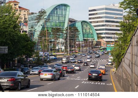 Seoul, South Korea - Circa September 2015: Road Traffic Anc Cars Driving On The Streets Of Seoul, So