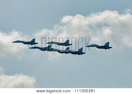 Airfighters SU-27 display of opportunities