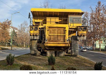 Yellow Dumper Truck 01