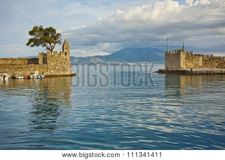 Fortification at the port of Nafpaktos town