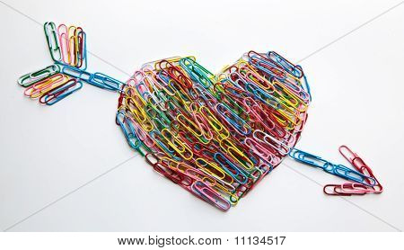Arrow Striked Heart Paper Clips