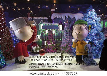 Christmas Peanuts Window Display At Macy's In Nyc