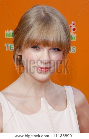 HOLLYWOOD, USA - FEBRUARY 19: Taylor Swift at the Los Angeles Premiere of