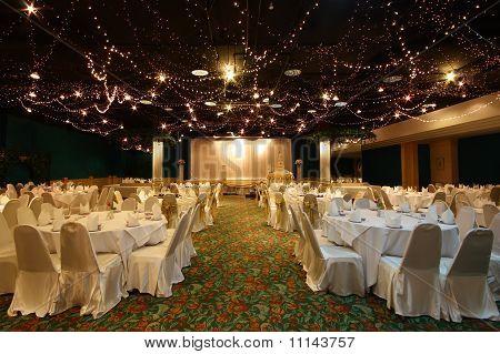 Wedding Chinese Style On Light Shining