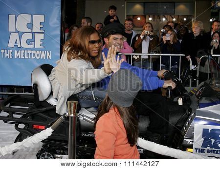 Queen Latifah at the Hollywood World Premiere of 20th Century Fox's