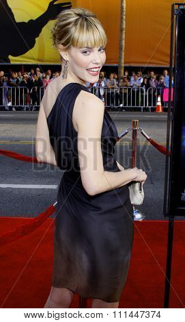 Leslie Bibb at Los Angeles premiere of