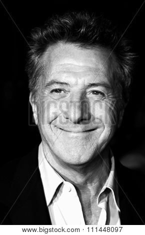 16 December 2004 - Hollywood, California - Dustin Hoffman. The premiere of 'Meet The Fockers' at the Universal Amphitheatre Universal Studios in Hollywood.