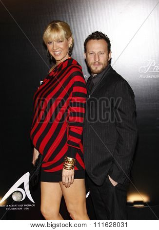 Jenna Elfman and Bodhi Elfman at the 2009 Rodeo Drive Walk Of Style Award Ceremony Honoring Princess Grace (Kelly) Of Monaco held at the Rodeo Drive in Beverly Hills, USA on October 22, 2009.