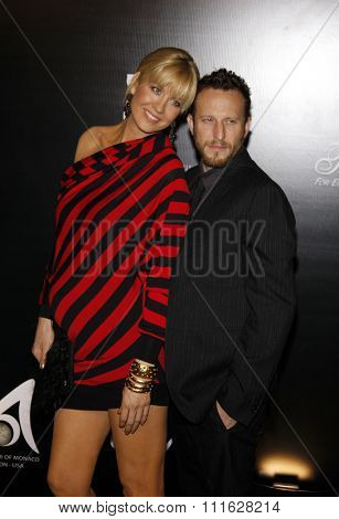 Jenna Elfman and Bodhi Elfman at the 2009 Rodeo Drive Walk Of Style Award Ceremony Honoring Princess Grace Of Monaco held at the Rodeo Drive in Beverly Hills, United States on October 22, 2009.